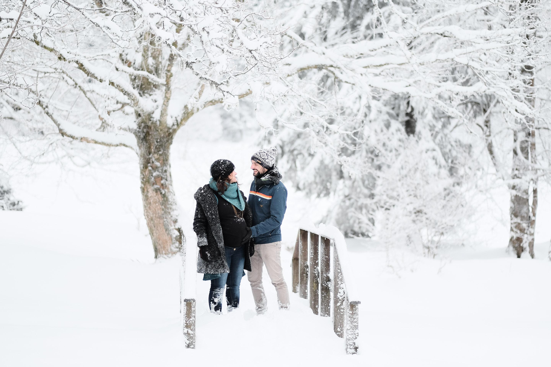 Séance photo grossesse à la neige