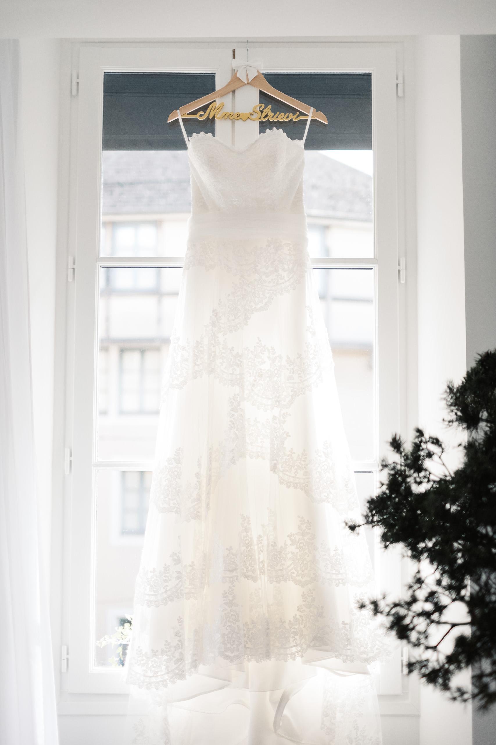 Mariage à Chambéry, chambre au Petit Hôtel Confidentiel - Robe de mariée - Lucile & Florent