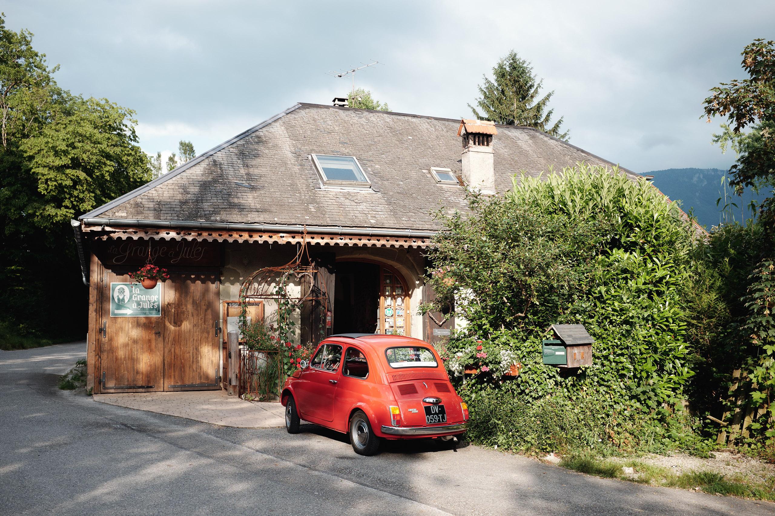 Fiat 500 rouge - Mariage à La Grange à Jules