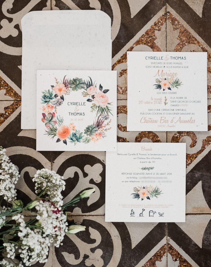 Faire-part de mariage en papier recyclé ensemencé avec des graines de fleurs, idée zéro déchet