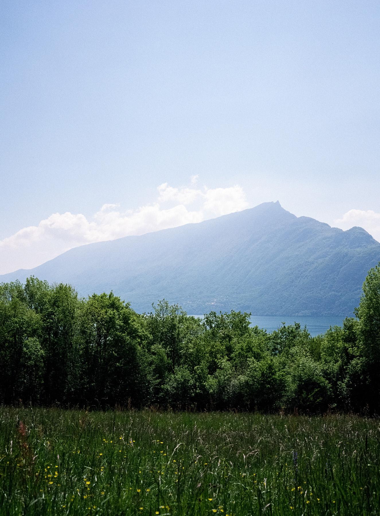 Lac du Bourget et Dent du Chat depuis Corsuet