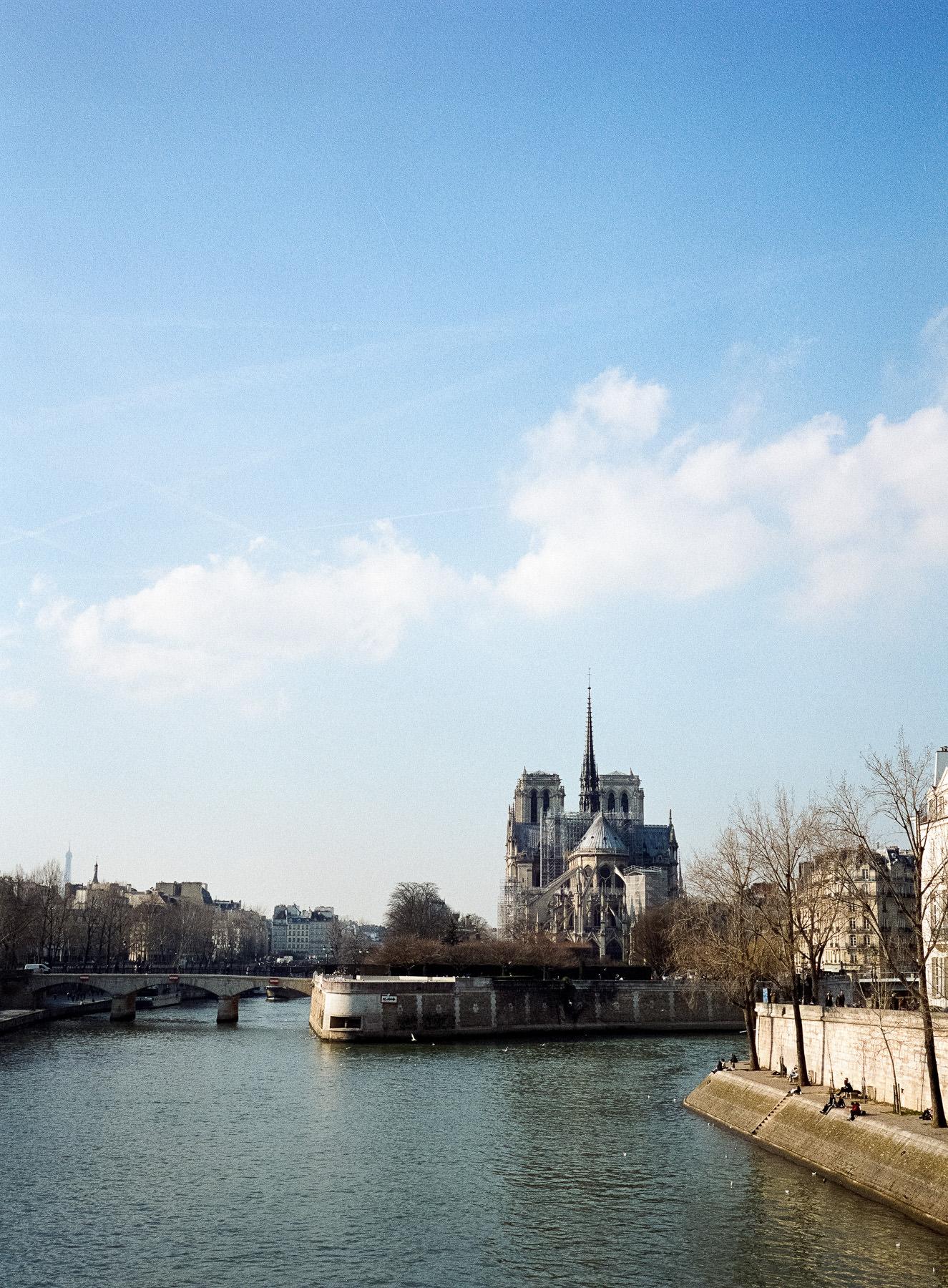 Notre-Dame de Paris, Fuji 400H + GA645